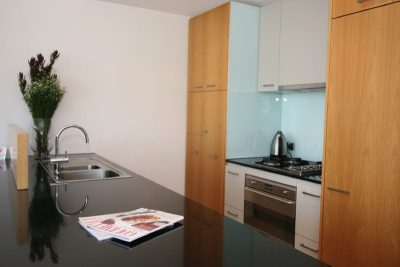Self contained apartment with full kitchen