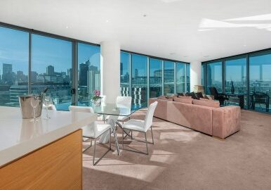 3 Bedroom apartment with harbour view